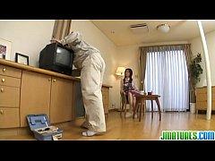xxx สาวใหญ่หิวควย นางเอกหนังโป๊รุ่นใหญ่ Nanako ยั่วควยช่างซ่อมทีวี ถวายหีให้เย็ดในบ้าน เจ๊เขาร่านจริงๆ